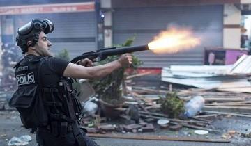 Власти Турции грозят подавить протесты с помощью армии