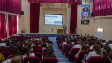 Андрей Раззоренов провел урок по информационной безопасности для школьников