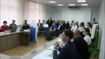 Председатель Совета молодых депутатов при городской Думе Краснодара Андрей Раззоренов провел встречу с молодёжью