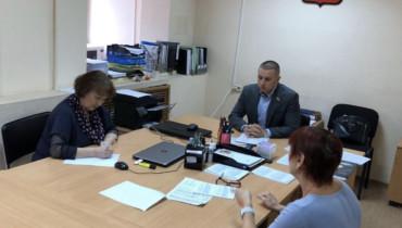 Личный приём граждан провел депутат городской Думы Андрей Анашкин