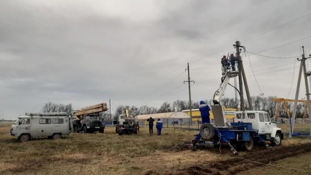 Краснодарские энергетики приняли на обслуживание бесхозные энергообъекты в пригороде