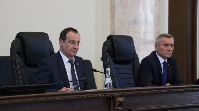 В кубанском парламенте подвели итоги работы фракции партии «Единая Россия» по реализации нацпроектов
