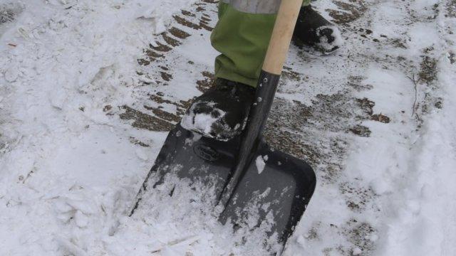 Управляющие компании в Краснодаре будут штрафовать за снег и лед во дворах