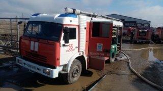 В Краснодаре тушили пожар на промышленном предприятии