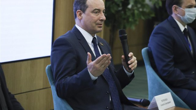 Председатель ЗСК Юрий Бурлачко открыл семинар для молодых депутатов