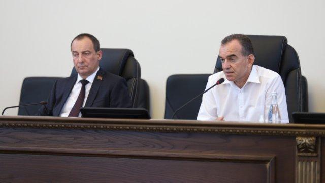 Председатель ЗСК Юрий Бурлачко подвел итоги парламентского года