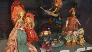 В Новороссийске открылась выставка авторской куклы московской художницы Светланы Пчельниковой