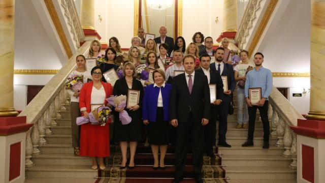 На Кубани наградили бизнес, помогавший жителям края в пандемию